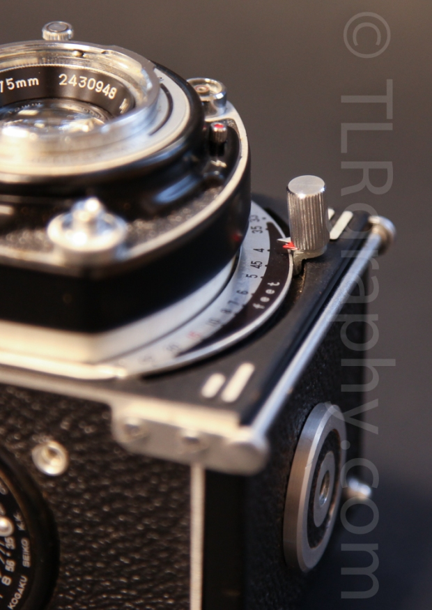 Focus knob/ lever - Minolta Autocord RG Version 1, 1961, Japan